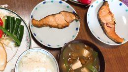 お味噌汁を取り入れた和食